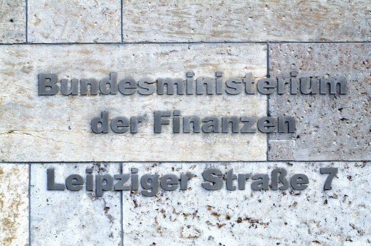 Das Bundesfinanministerium informiert: Unternehmen können Deutschkurse steuerlich absetzen.. BMF Bildarchiv 2005. Foto: Ilja C. Hendel.