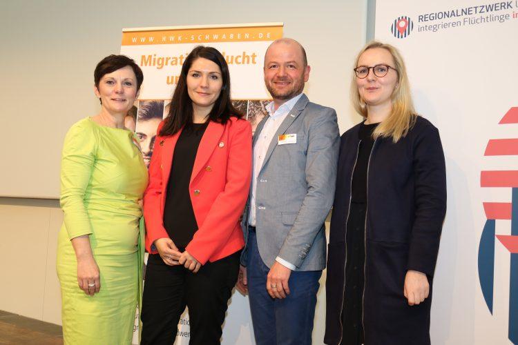 Martina Wirth (Willkommenslotsin HWK Schwaben), Carolin Ruppert (Projektmitarbeiterin NUiF), Volker Zimmermann (Geschäftsbereichsleiter Bildung HWK Schwaben) und Sarah Strobel (Projektmitarbeiterin NUiF)