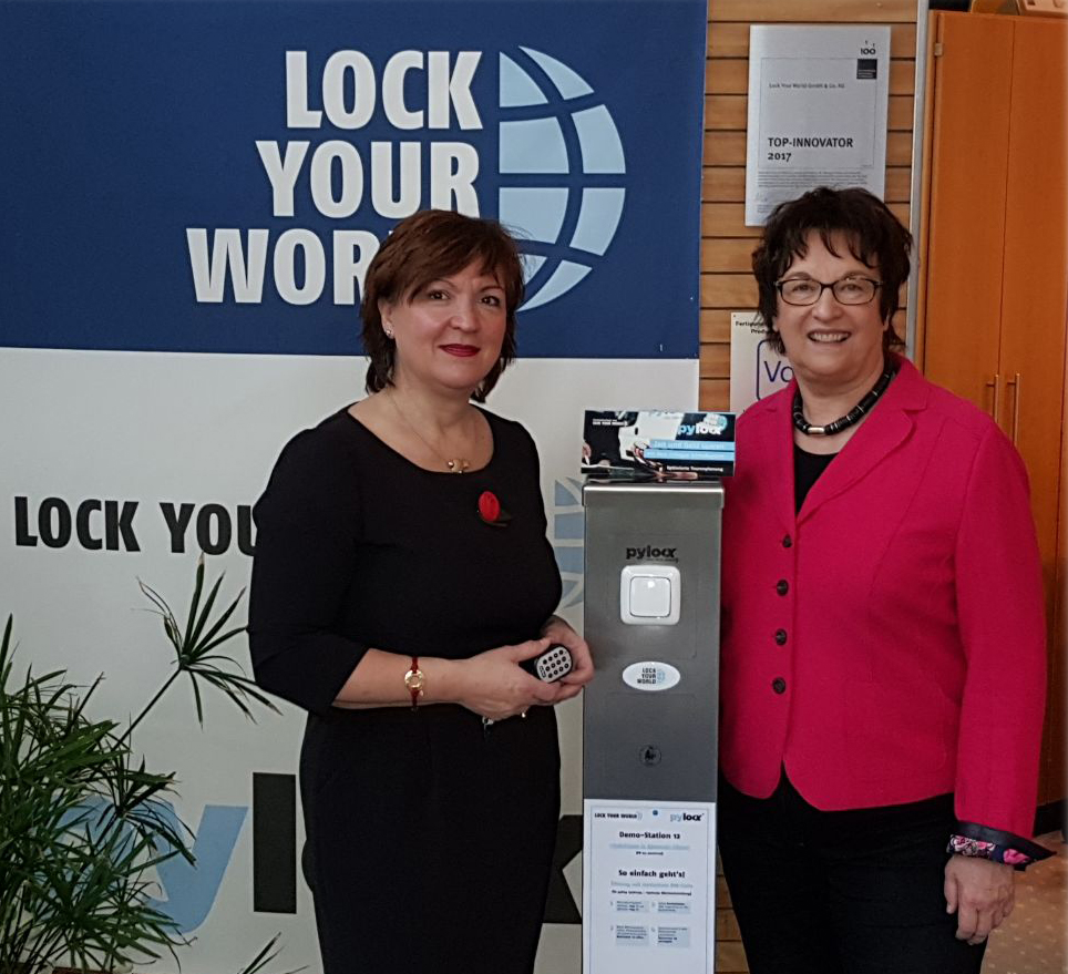Bundesministerin Zypries besucht Lock Your World